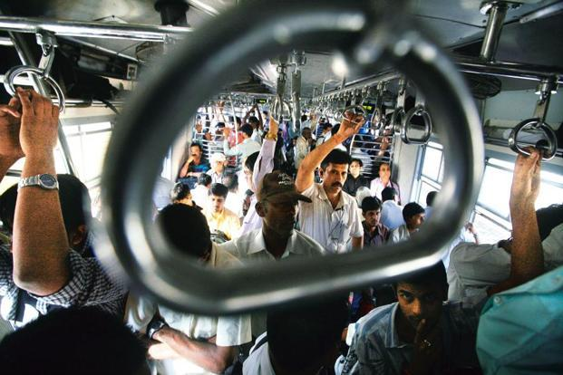 The Mumbai local, a symbol of the city's daily grind, features in Irani's book. Photo: Kalpak Pathak/Hindustan Times